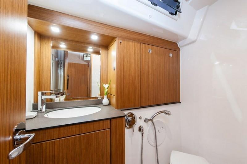 bavaria cruiser 56 najam jedrilica u hrvatskoj charter jedrilica. Black Bedroom Furniture Sets. Home Design Ideas