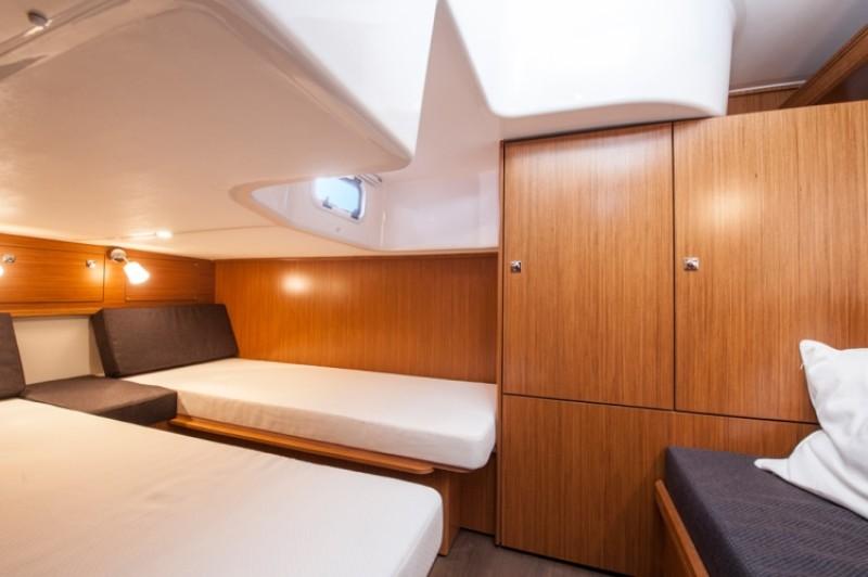 bavaria sport 35 najam luksuznih jahti motornih brodova charter hrvatska. Black Bedroom Furniture Sets. Home Design Ideas