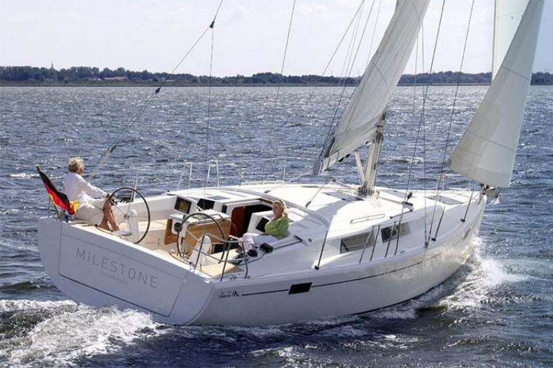 Hanse 385 sailboat rental croatia yacht charter for Hanse meuble catalogue