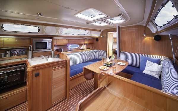 Bavaria 38 Cruiser, Boem
