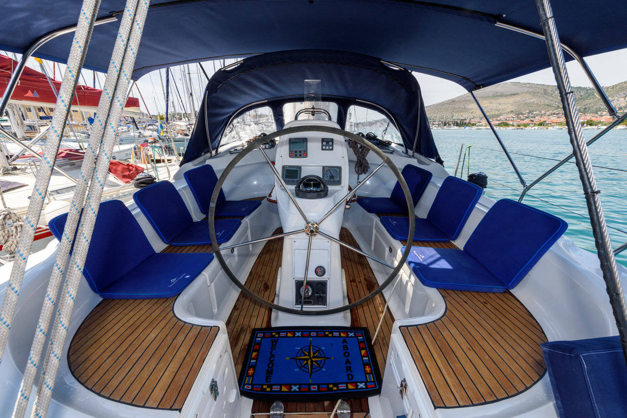 Bavaria 39 Cruiser, Dorko