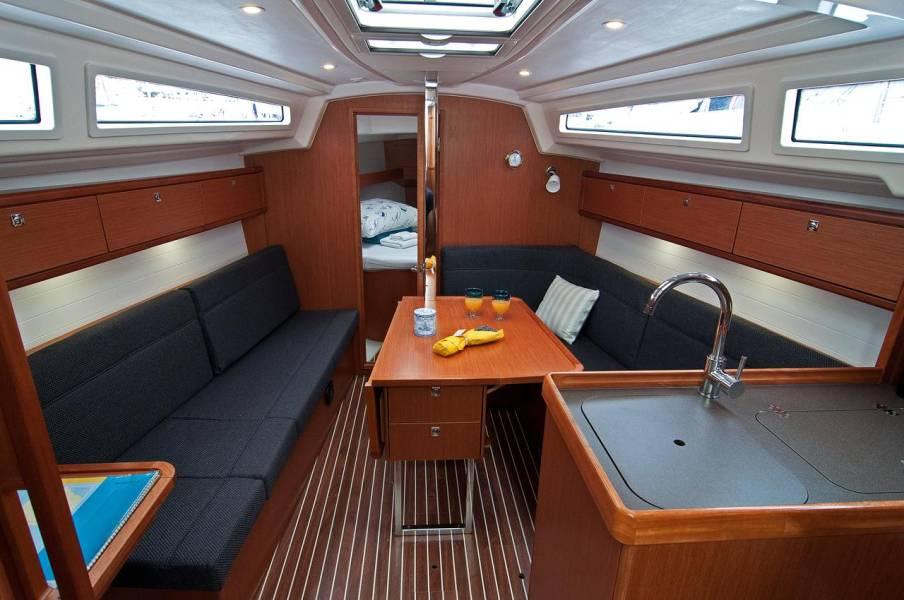 Bavaria Cruiser 33, Adria Breeze