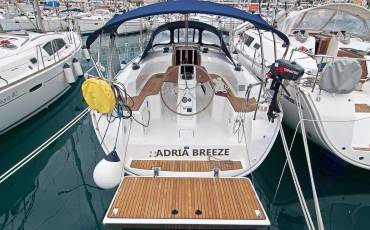 Bavaria Cruiser 33, Adria Breeze
