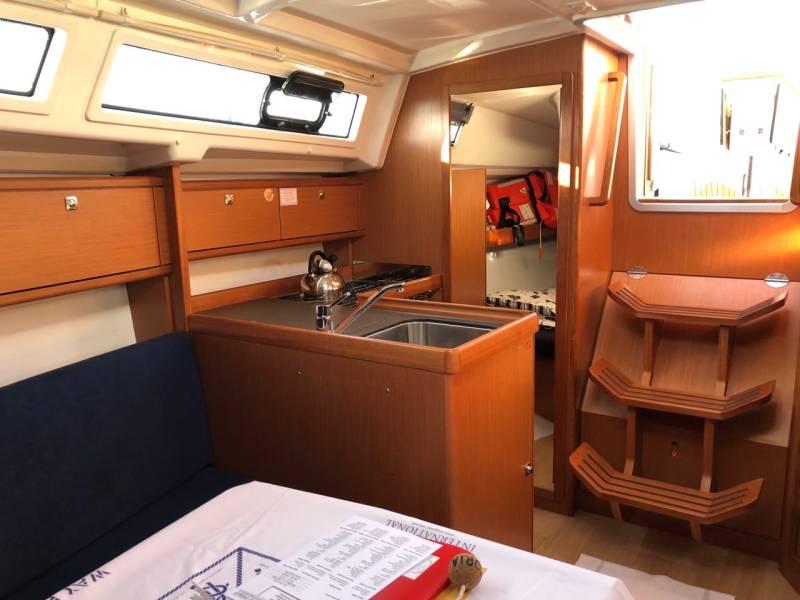 Bavaria Cruiser 34, VIKTORIA
