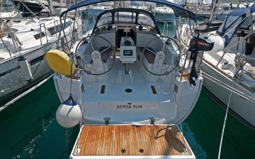 Bavaria Cruiser 37, Adria Sun