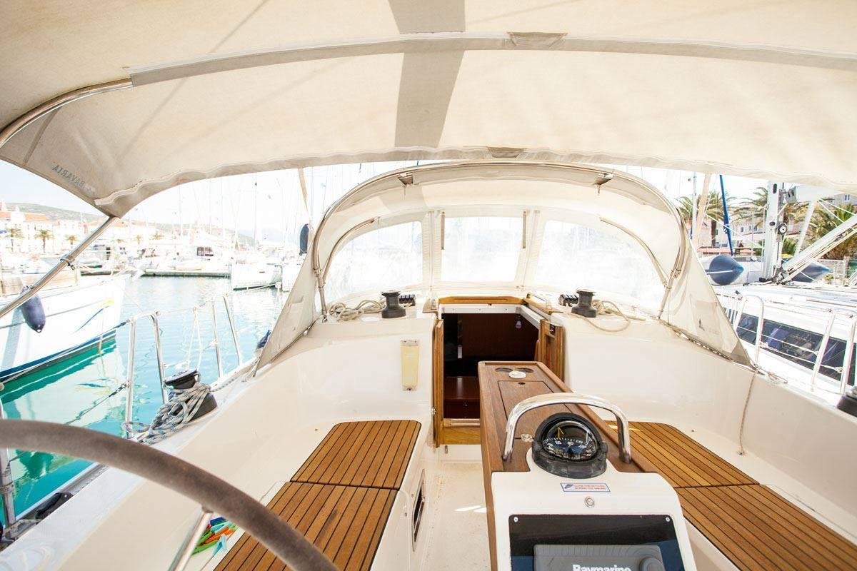 Bavaria Cruiser 37, Happy Point