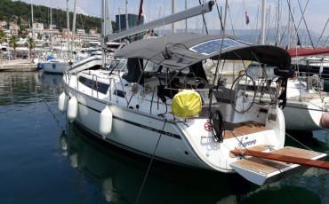 Bavaria Cruiser 37, Aurora