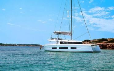 Dufour 48 Catamaran, Bahia Serena