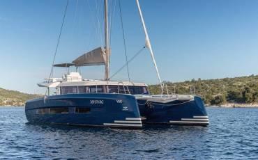 Dufour 48 Catamaran, SHU - BLUE HULL, A/C+GEN., UNDERWATER LIGHTS