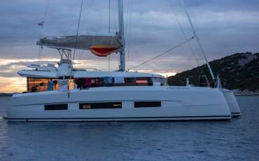 Dufour 48 Catamaran, Dreamland