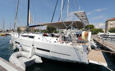 Dufour 560 GL, Anatoli with A/C and generator