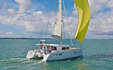 Lagoon 400 S2, Treanne (Cabin charter) port bow