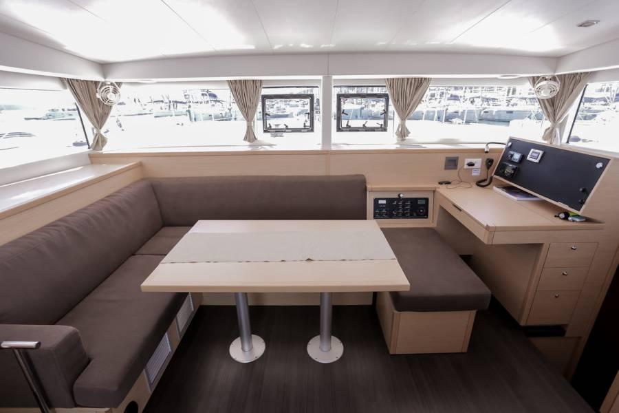 Lagoon 400 S2, MY ELFRI III
