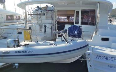 Lagoon 400 S2, Wonderland (Cabin charter) starboard bow