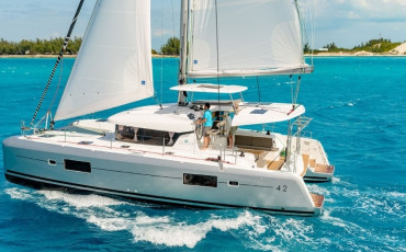 Lagoon 42, Andromeda- DRAFT BEER ON BOARD FOR FREE