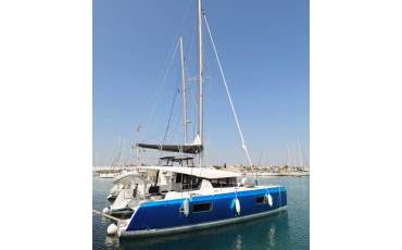 Lagoon 42, ROYAL SALUTE