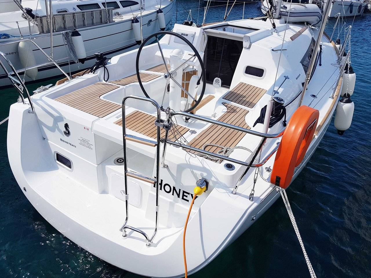Oceanis 31, HONEY