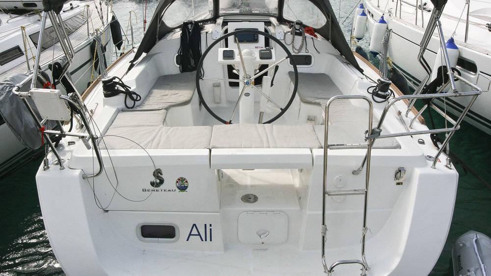 Oceanis 34.2, Ali