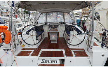 """Oceanis 41.1, """"Seven"""" with A/C"""
