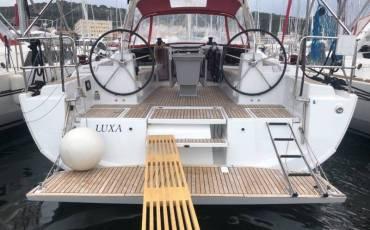 Oceanis 41.1, Luxa