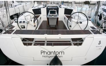 Oceanis 45, Phantom