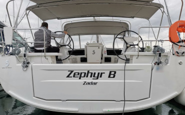 "Oceanis 51.1, ""Zephyr B"" with A/C and generator"