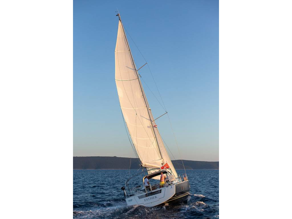 Oceanis 55, Esther