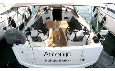 Sun Odyssey 349, Antonija