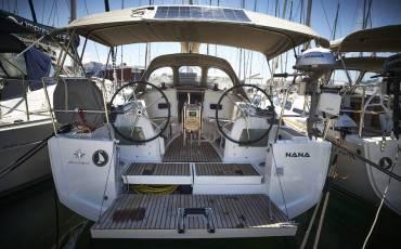 Sun Odyssey 349, Nana