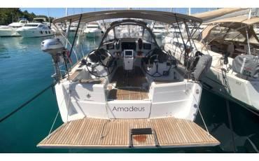 Sun Odyssey 389, Amadeus