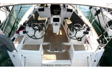 Sun Odyssey 419, Happy Welcome