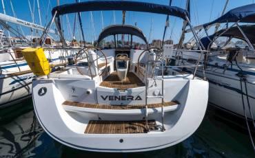 Sun Odyssey 42i, Venera