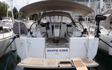 Sun Odyssey 449, White Kiss