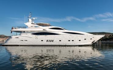 Sunseeker Yacht 105, Baby